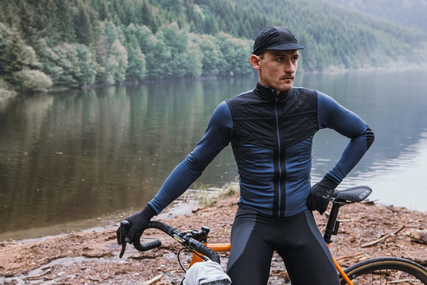 Wind blocking cycling jersey for autumn and spring
