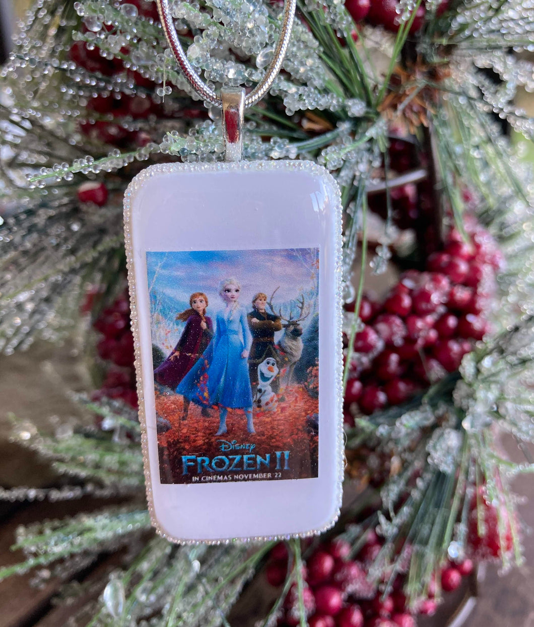 Frozen 2 Domino Christmas Ornament (Poster)