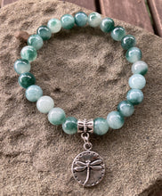 Load image into Gallery viewer, Caribbean Sea Green Jade Dragonfly Stretch Bracelet