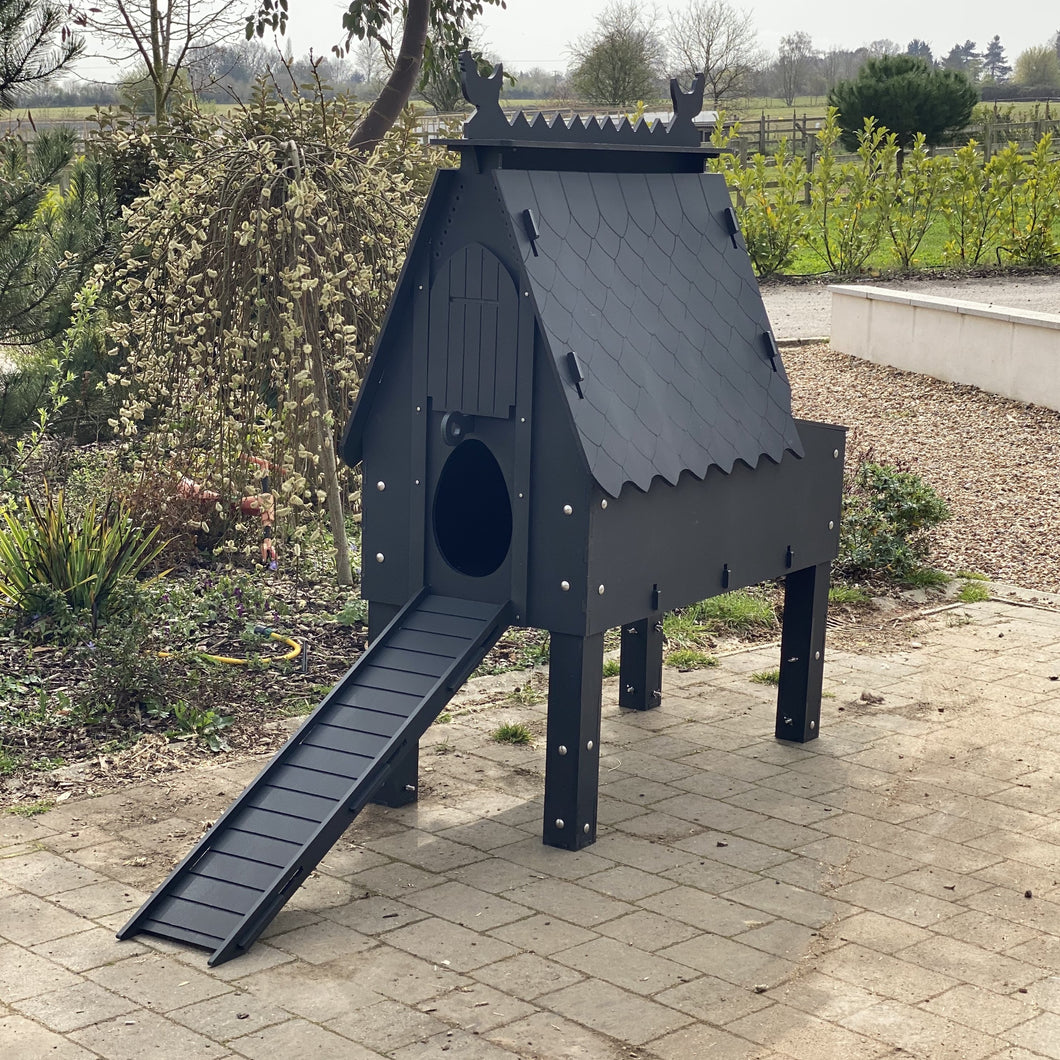 Recycled Plastic Luxury Chicken Coop