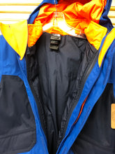 Load image into Gallery viewer, Boys 10/12 North Face Tri Climate Coat IN371