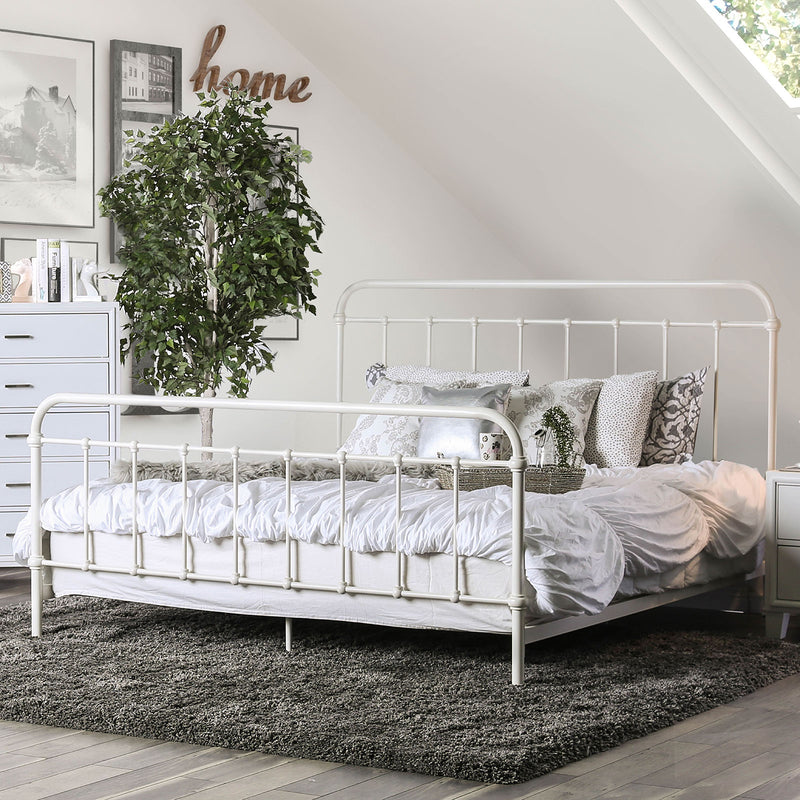IRIA Vintage White E.King Bed image