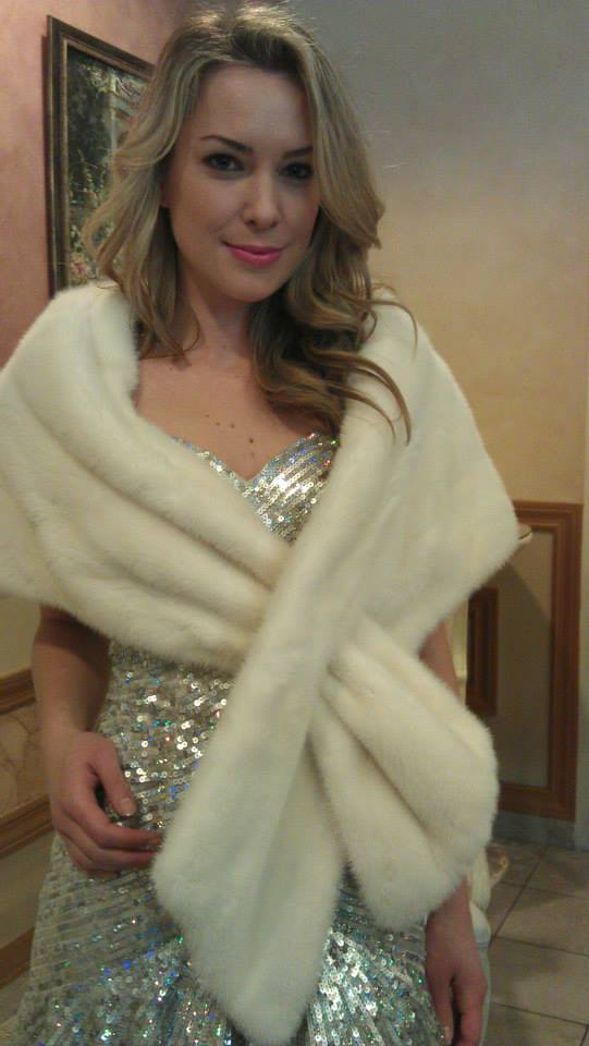 Image of ZZAZZ model Crystelle in a white mink stole by Zuki