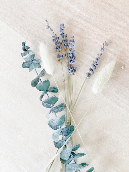 Small bundle of dried Eucalyptus, Bunny tails & Lavendar