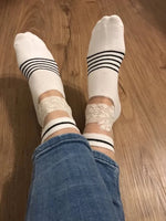 White Rose Hybrid Ankle Socks by Global Trendz