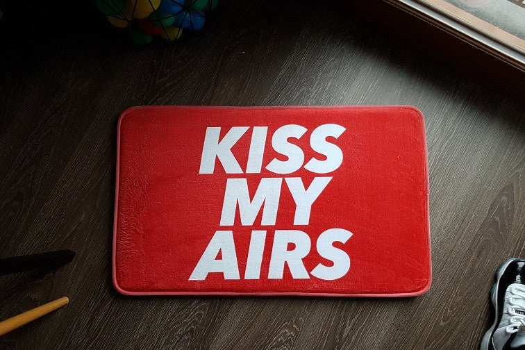 "TAPIS RED - ""KISS MY AIRS"""