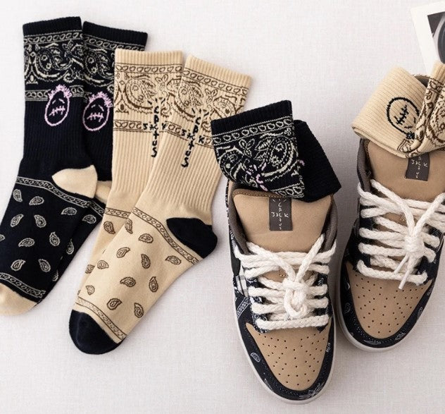 Chaussettes Inspiration Travis Scott black smiley - Sneakers Dealers-Paris