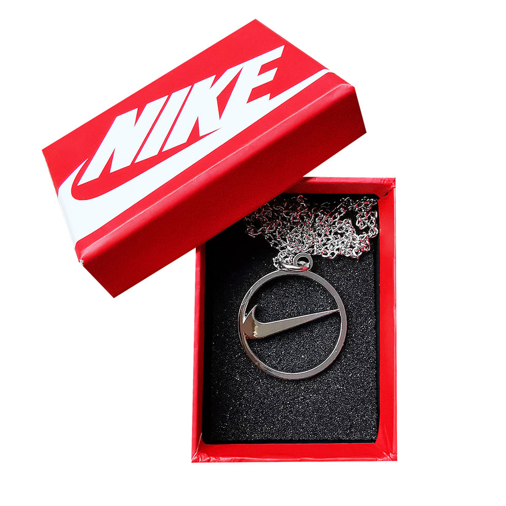 Pendentif NIKE circle Logo - Metallic - Sneakers Dealers-Paris