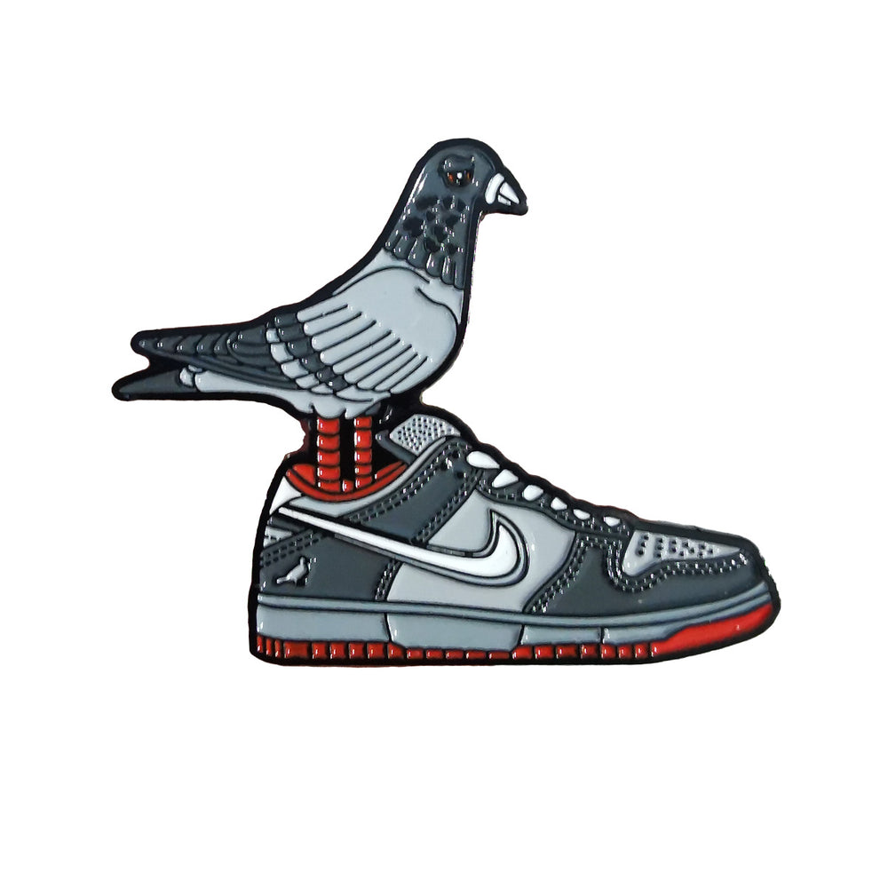 Pin's Design - Nike Dunk Staple Pigeon