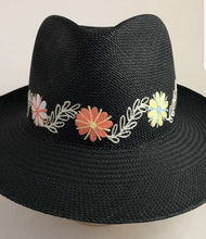 Load image into Gallery viewer, Real Straw Panama hats | 2 color options