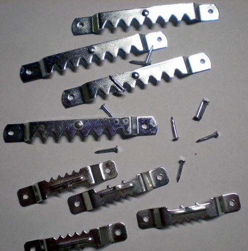 Steel Saw Tooth Hangers with nails