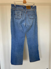Load image into Gallery viewer, Vintage Levi's Orange Tab 517 (34X31)