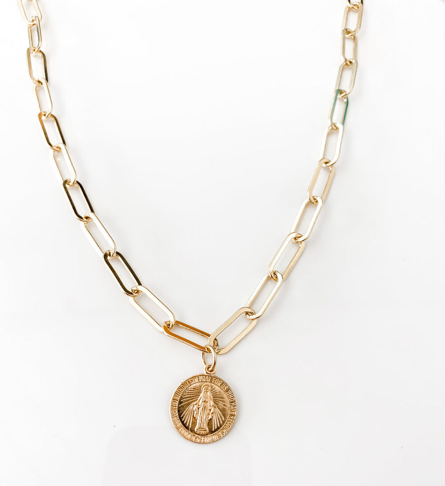 THE MARY ON ZOE CHAIN