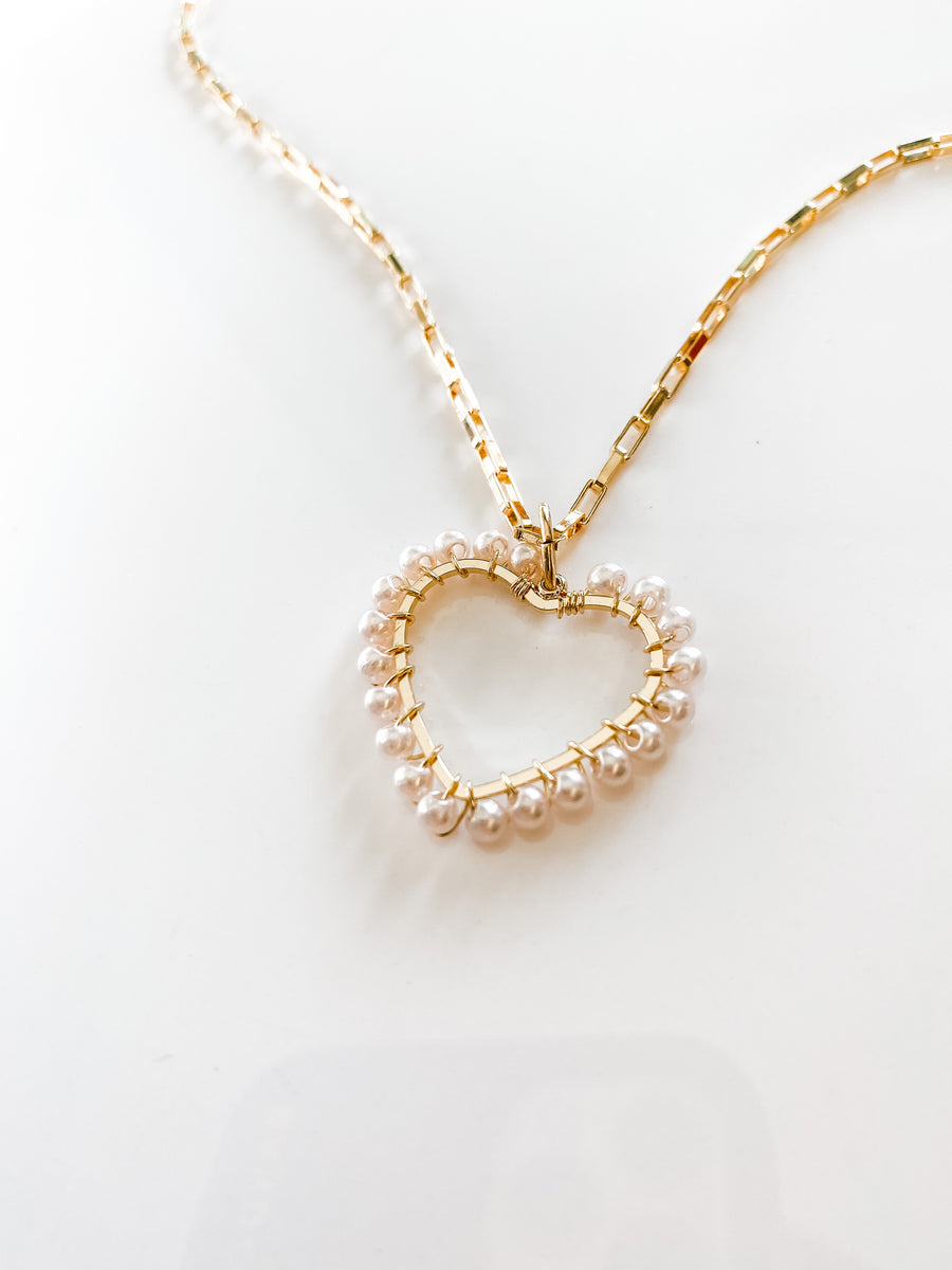 NALA HEART NECKLACE