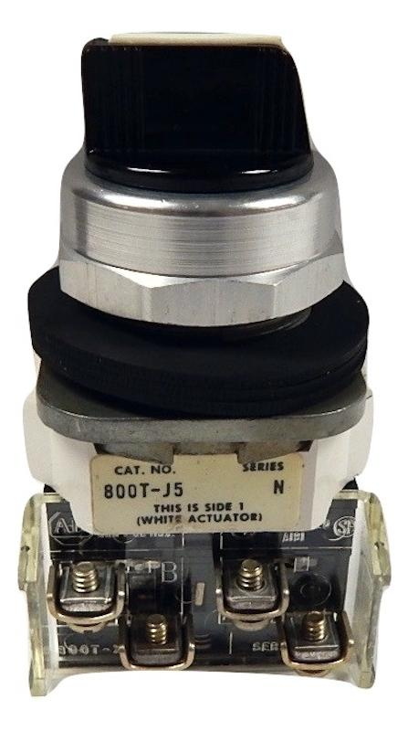 Allen Bradley   800T-J5B     3 Position  Selector Switch 2 NO 2 N C Spring Return from Right