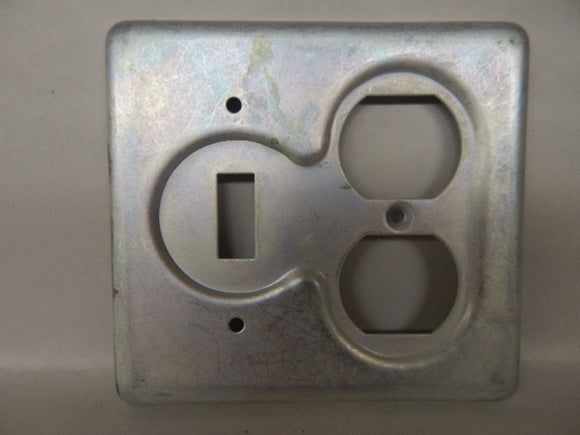 Crouse Hinds   S32232     2 Gang Switch Duplex Cover FS Steel