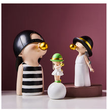 Load image into Gallery viewer, Cute Boy & Girl Statue
