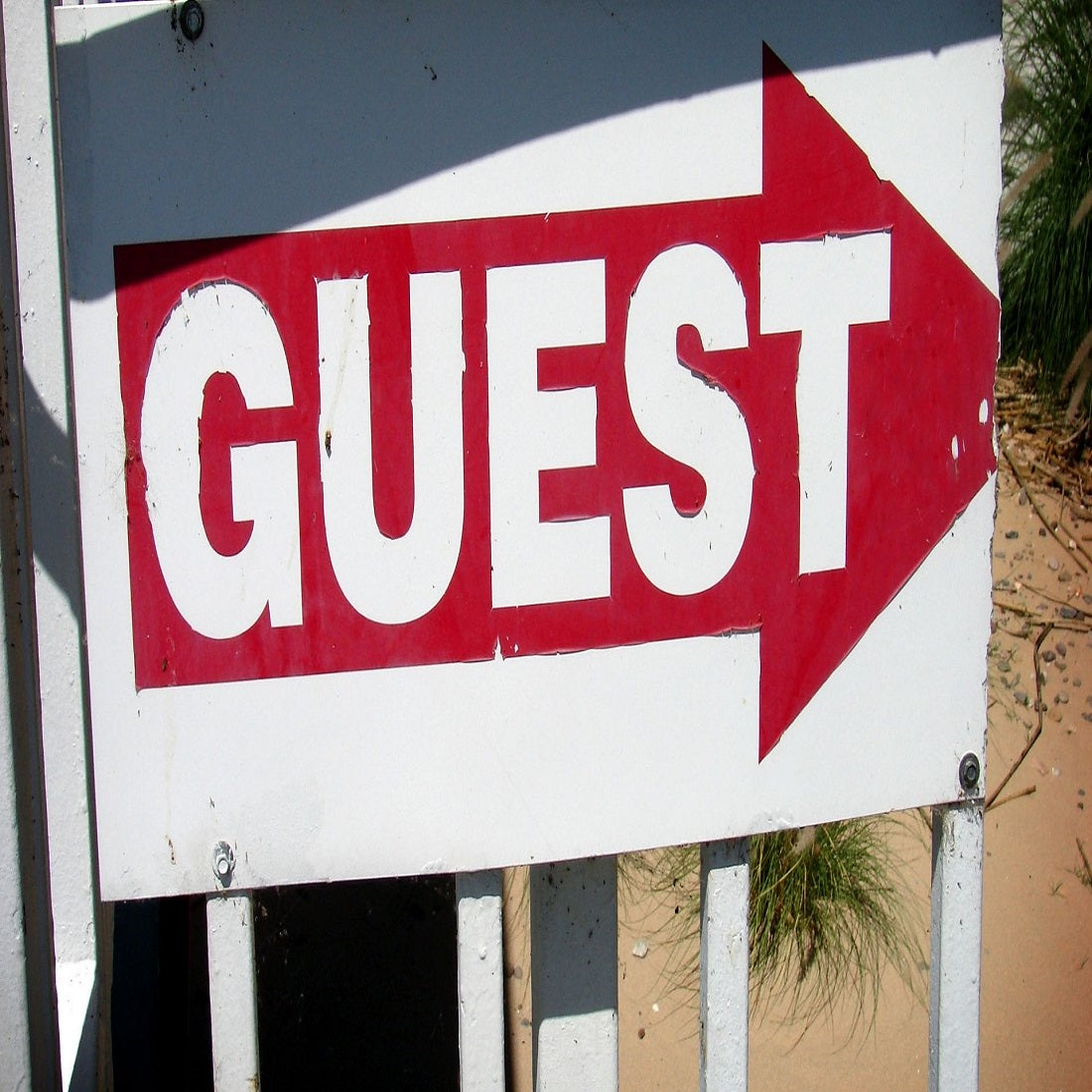 The Benefits of Guest Posts When It Comes to Promoting Your Own Websites