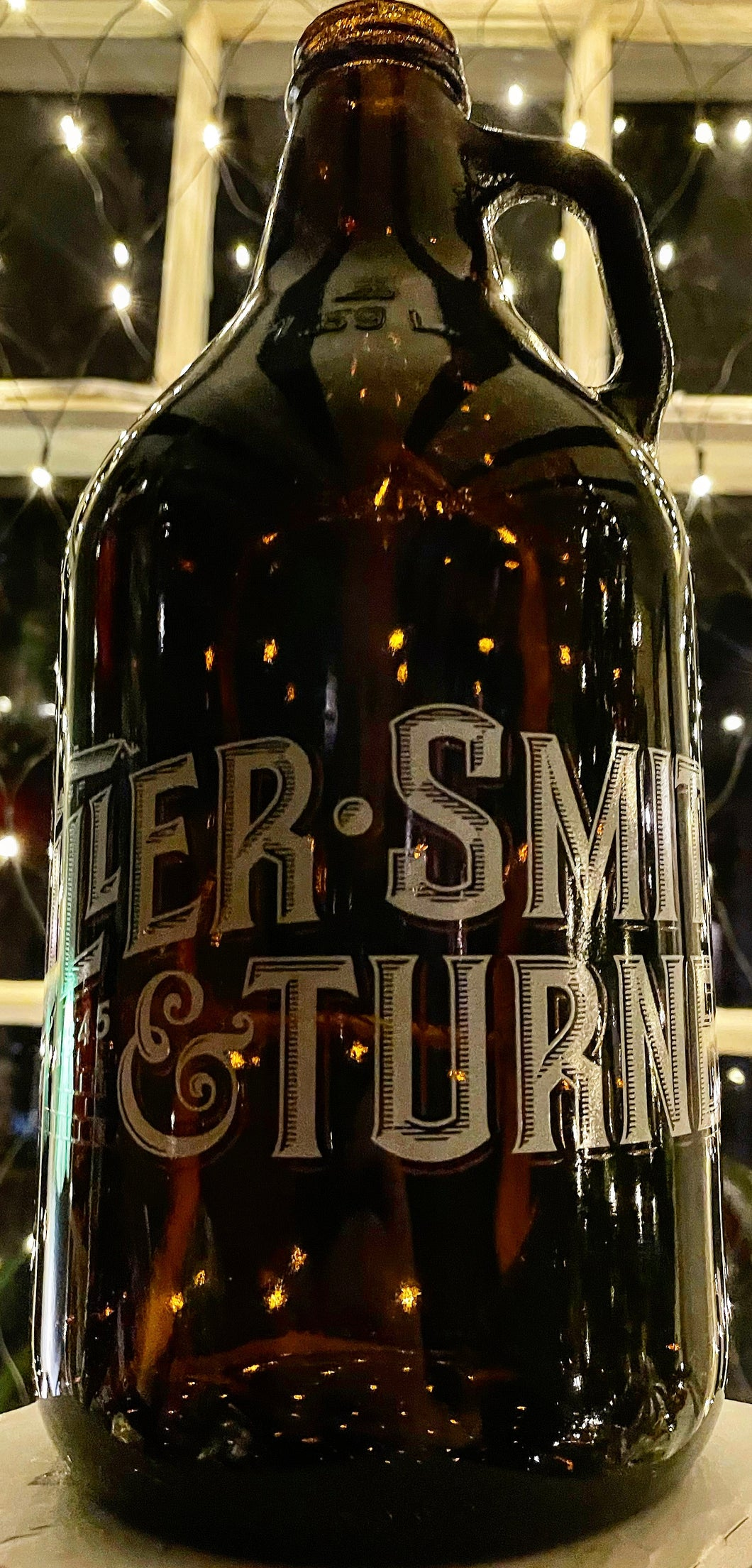 Exclusive Fuller Smith & Turner 1.89L Glass Growler Bottle