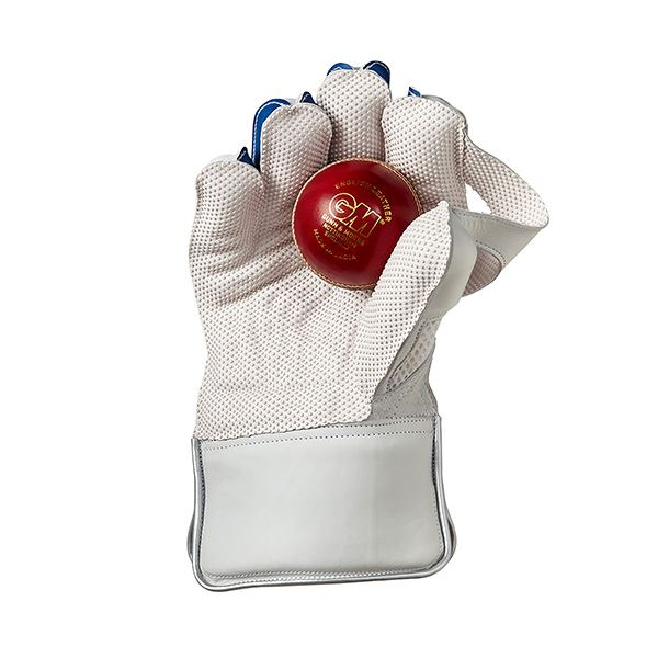 Gunn & Moore Siren 909 Wicket Keeping Gloves Front with ball