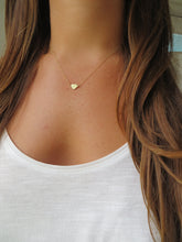 Load image into Gallery viewer, Gold Tiny Heart Necklace