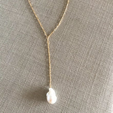 Load image into Gallery viewer, Baroque Pearl Lariat Necklace