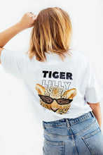 Afbeelding in Gallery-weergave laden, White Tiger Tee TL