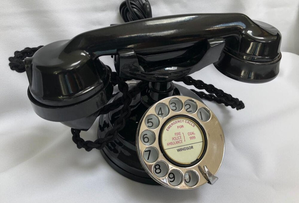 Chrome Dial Bakelite Cradle Telephone