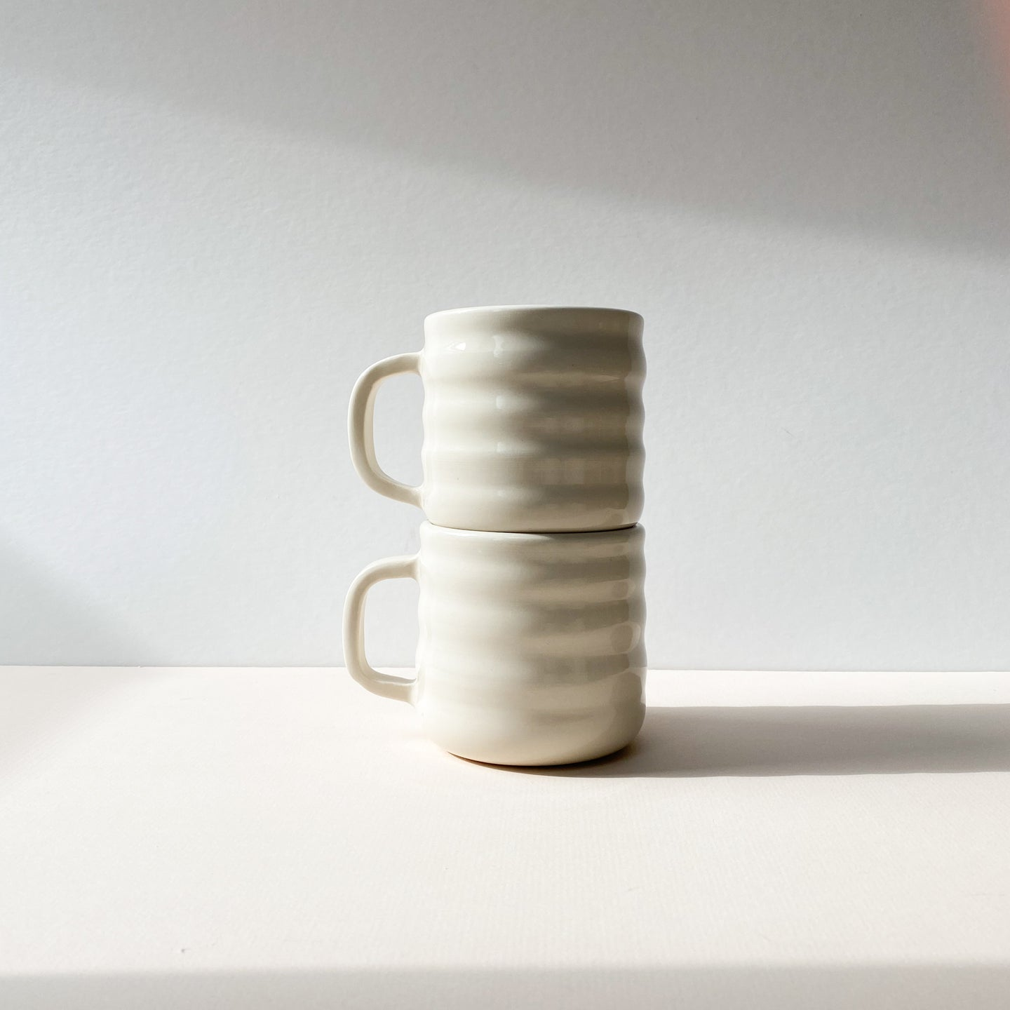 Porcelain Super Curvy Mugs