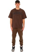 Lade das Bild in den Galerie-Viewer, T-SHIRT COLLEGE BLACK LOGO MOCCA BROWN