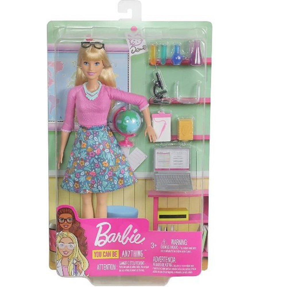 Barbie studentessa con mappamondo