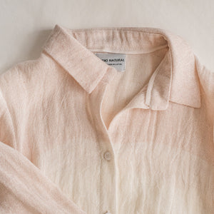 "Crumpled linen shirt ""Jūra"" powder size S"
