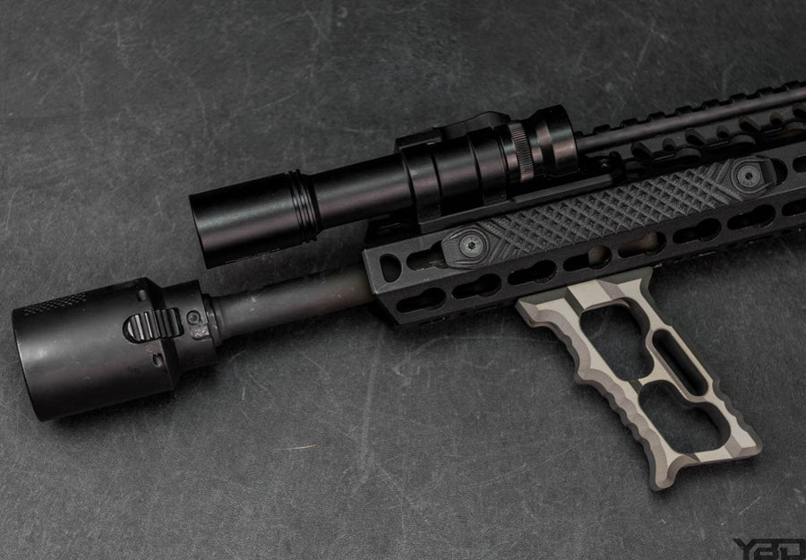 AR-15 vertical foregrip grey HALO MiniVert