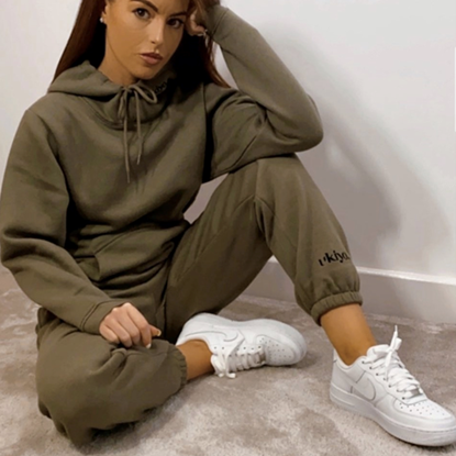 missgeorgiabannonn wearing ukiyo frosted olive hoodie and joggers