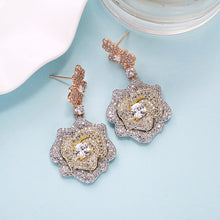 Load image into Gallery viewer, Long Dangle Flower Earrings