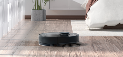Tangle-free vacuuming system