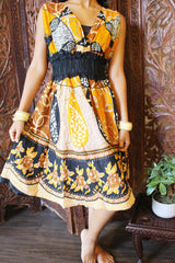 Womens Summer Dresses, Vintage Retro 70s Yellow Floral Printed Dresses, Hand made Cotton Sundress M - mogulgallery