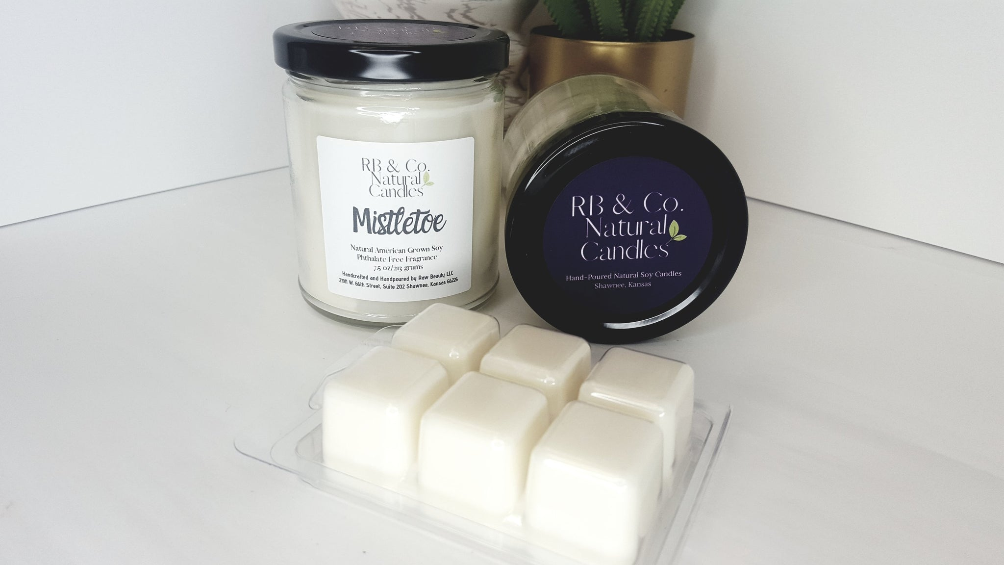 Mistletoe Natural Soy Candle | Hand-Poured and Hand-crafted