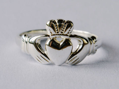 Silver Gents Claddagh Ring