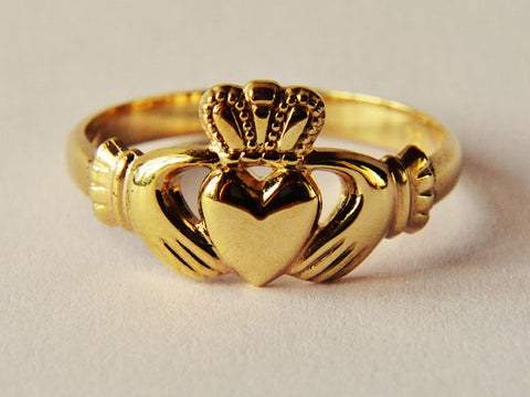 Gold Ladies Claddagh Ring