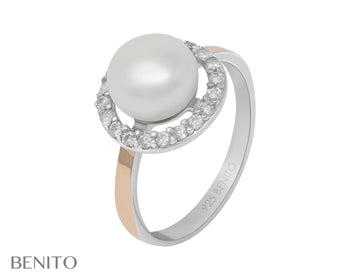 Romina Ring White Pearl and Fianit Stones