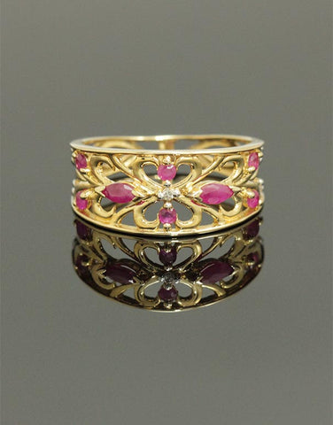 Ruby Ring - Yellow Gold Natural Ruby & Diamond Ring - 768178