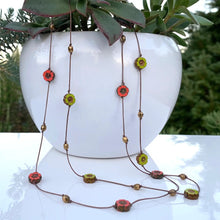 "Load image into Gallery viewer, 16"" Short Flower Necklace"