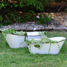 Load image into Gallery viewer, Decorative Clawfoot Garden Bathtub