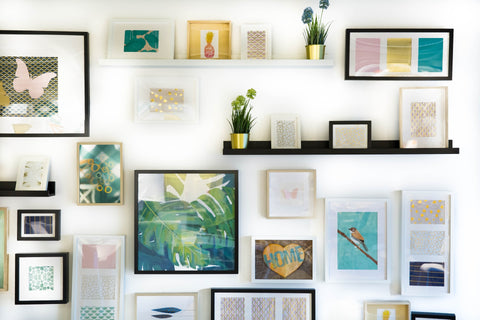 College Style Wall Decor Placement
