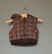 Load image into Gallery viewer, Newborn up to 1 month hooded gilet