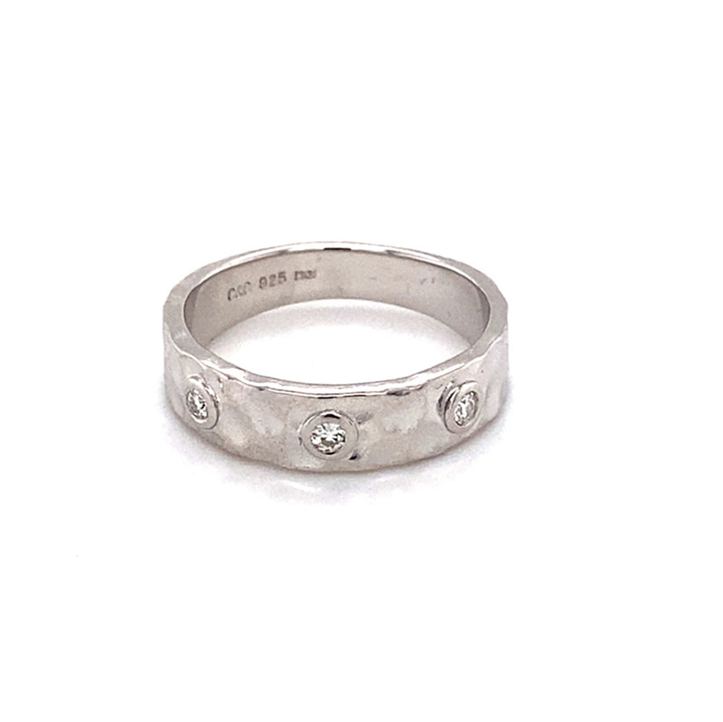 0.08 CTW DEW Round Near-Colorless Moissanite Hammered Band in Sterling Silver