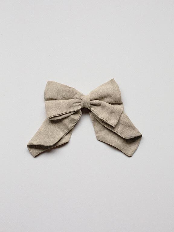 The Old-Fashioned Bow || Oatmeal