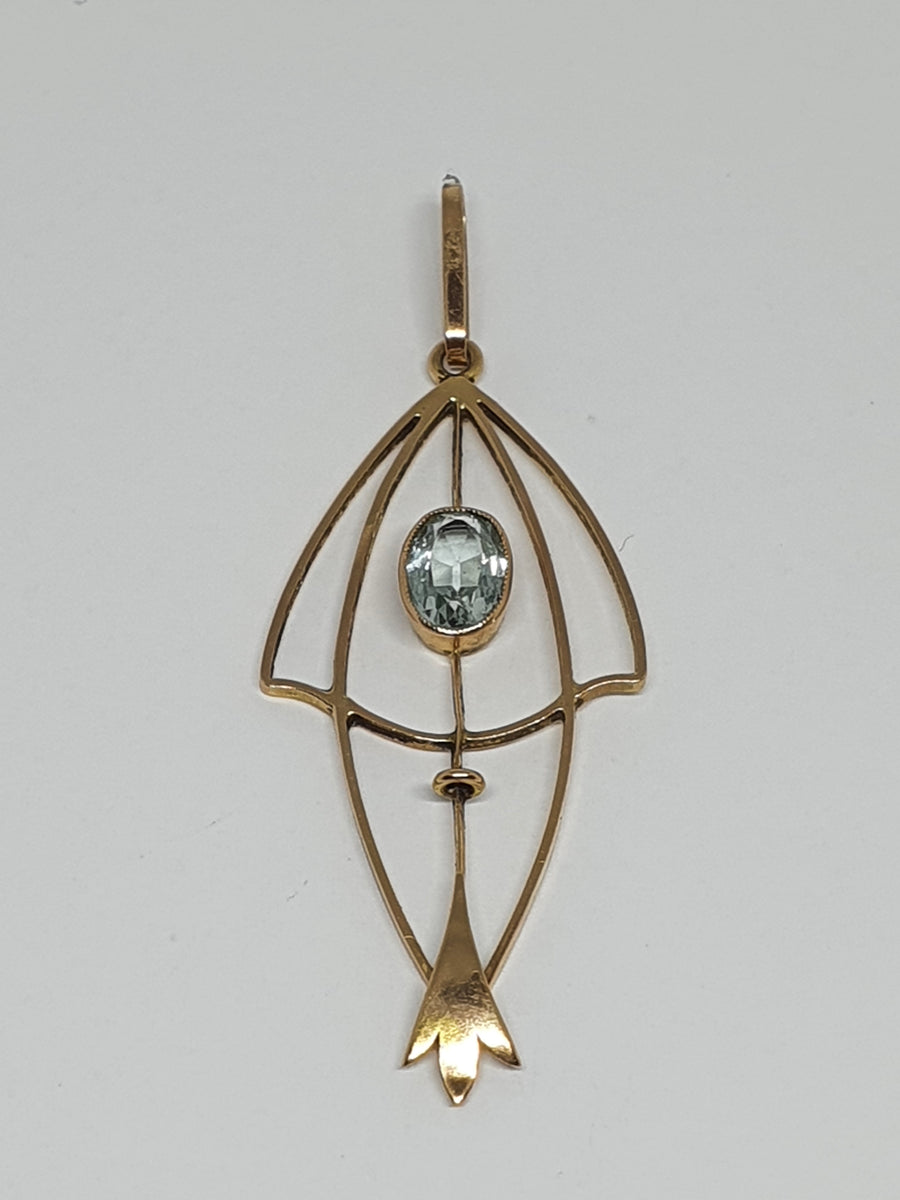15 carat yellow gold Art Nouveau Pendant