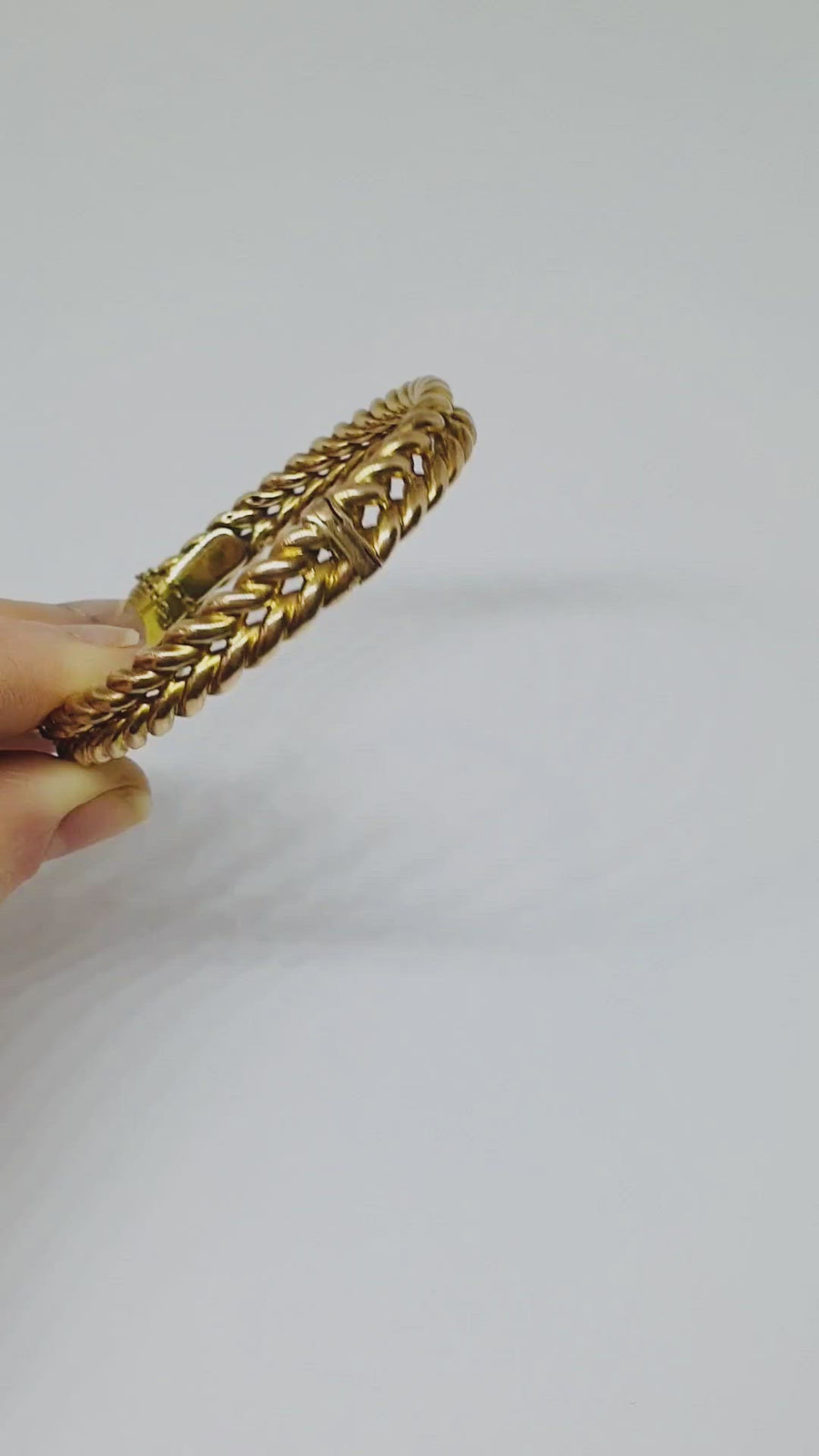 The Illusion Bangle